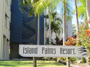 Island Palms Resort (Warboys Street entrance)