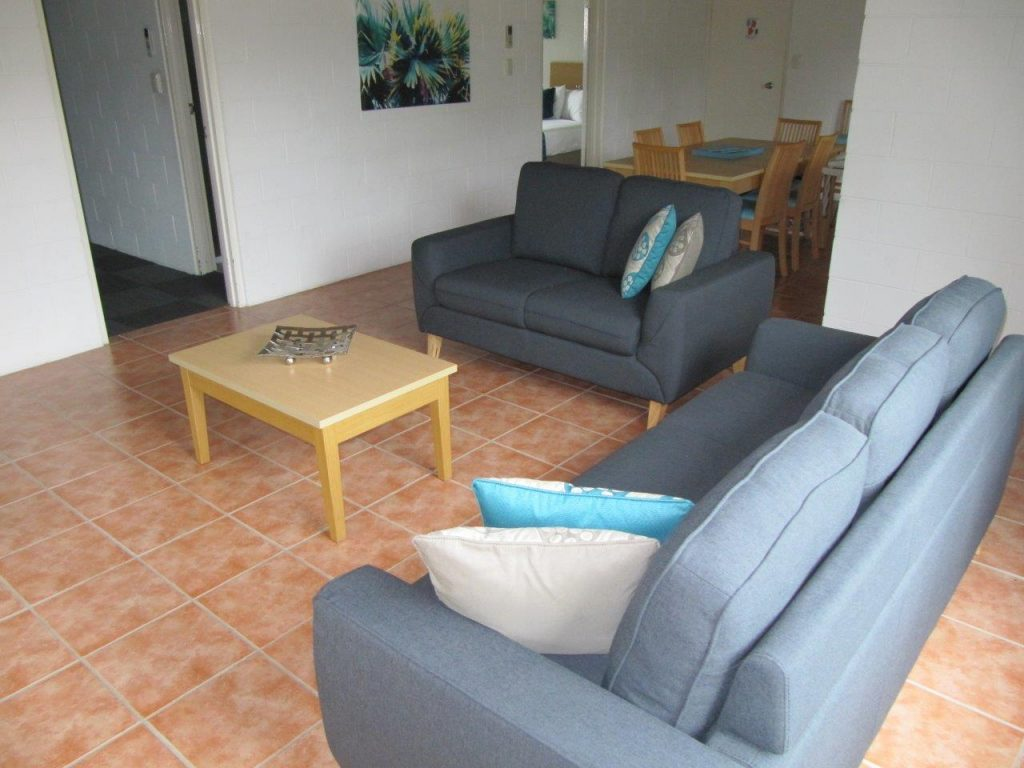 Living area even numbered apartments